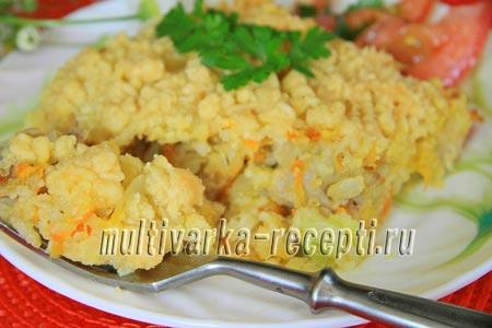 Запеканка с куриным филе под сырным штрейзелем