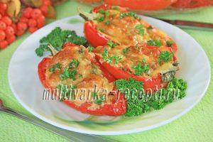 перцы в духовке половинками с курицей и овощами