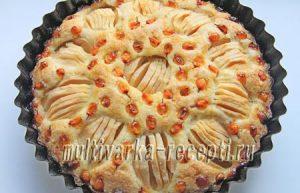 Яблочно-облепиховый пирог в духовке