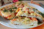 Куриная грудка в сырной шубке с помидорами и луком