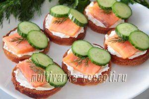 Бутерброды с семгой и огурцом рецепт