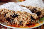 Пирог из овсяных хлопьев с черносливом в мультиварке