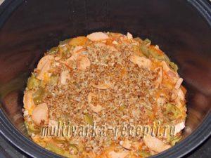 Гречка с колбасой и овощами в мультиварке