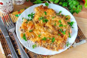 Индейка, запеченная с грибами и сыром в духовке