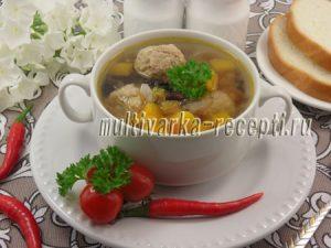 Суп с фрикадельками, тыквой и фасолью в мультиварке