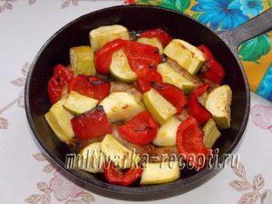 Куриные шейки с овощами в духовке