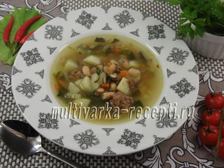 Суп с тушенкой и фасолью