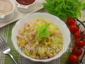 Картофель с ветчиной и китайской капустой в мультиварке
