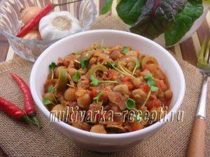 Нут с тунцом и оливками в томатной подливе в мультиварке