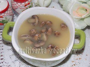 Постный гороховый суп в мультиварке с грибами