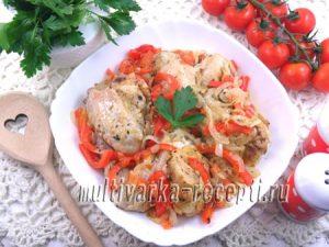 Куриные крылья с овощами в рукаве в духовке