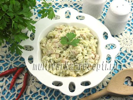 Салат с рисом и копченой курицей рецепт