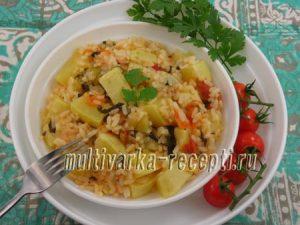 Кабачки, тушеные с рисом и помидорами в мультиварке