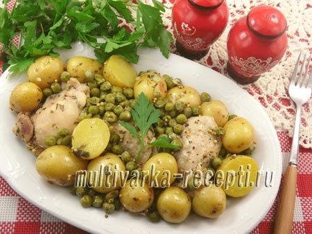Куриные бедра с картофелем в рукаве в мультиварке