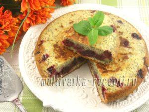 Маковый пирог с вишней в мультиварке